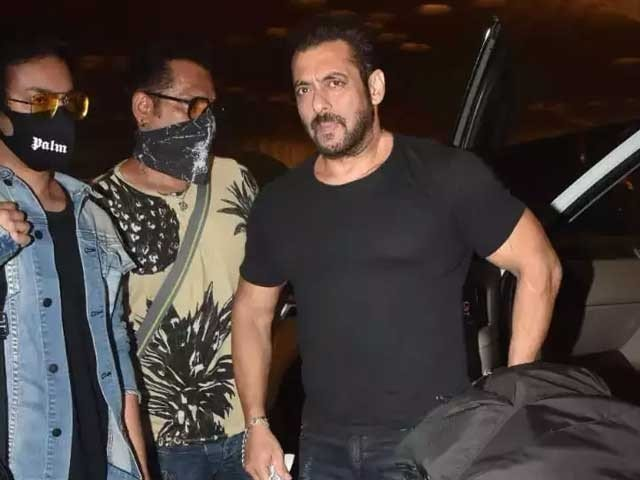Salman Khan Was Stopped At The Airport For Search